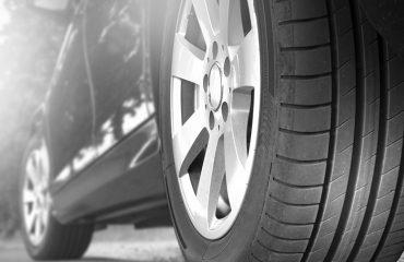 vida útil dos pneus do carro preto